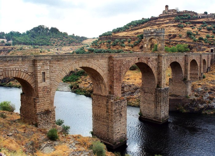 Die Römerbrücke bei Alcantara