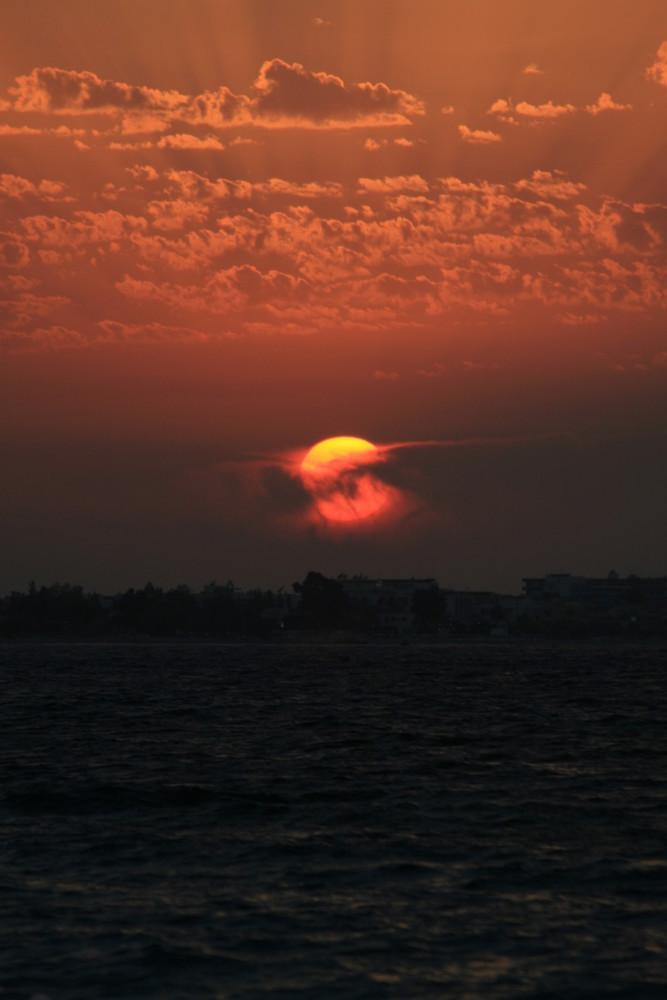 die rote Sonne von Rhodos...