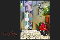 Die rote Vespa