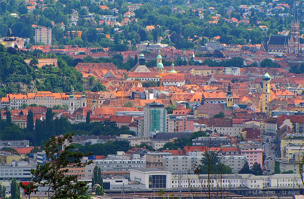 Die roten Dächer der Grazer Altstadt