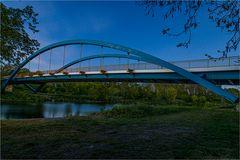 Die Saalebrücke in Nienburg