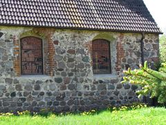 Die 'Schielende' wird die Kirche in Gr. Gischau (Altmarkkreis Salzwedel) genannt,