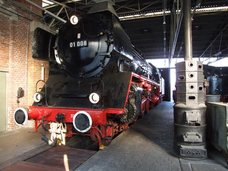 Die Schnellzug Dampflok 01 008