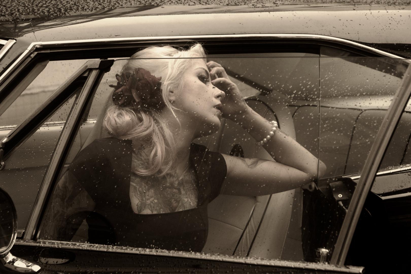 Die Schöne im Cadillac