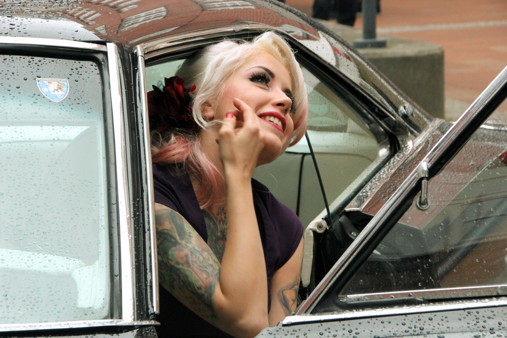 Die Schöne und der Cadillac