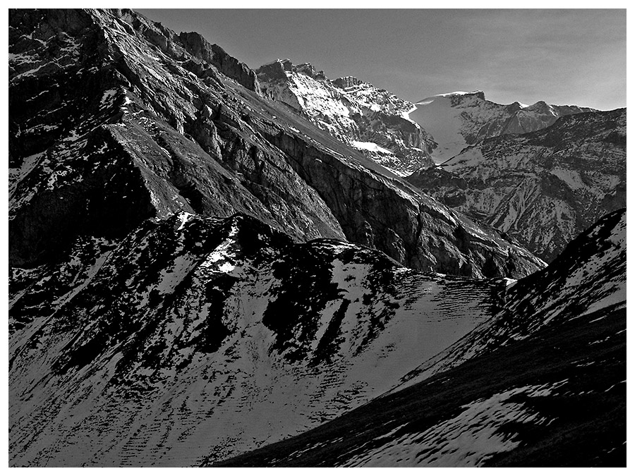 Die Schroffheit der Alpenwelt