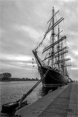 Die Sedow im Rostocker  Hafen
