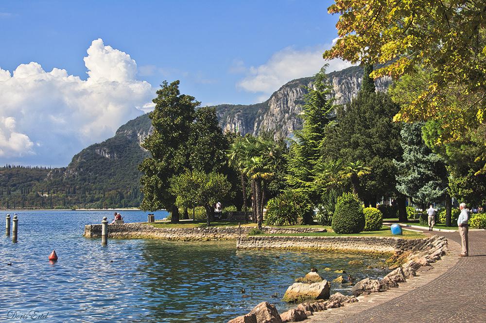 Die Seepromenade von Garda...