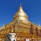 ... die Shwezigon Pagode in Bagan...