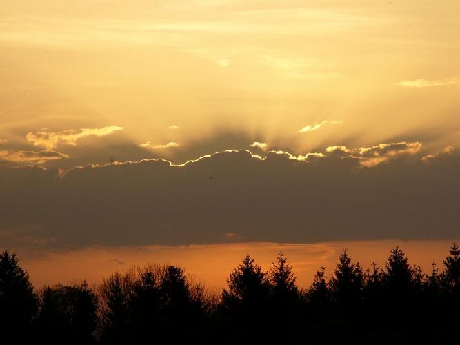 die Sonne geht zu Bett