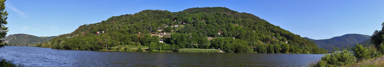 Die Sonnenterasse am Stau der Elbe (Labe) oberhalb von Usti nad Labem...