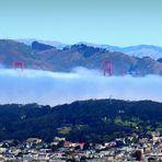 Die Spitzen der Golden Gate Bridge