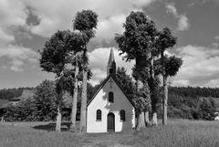 Die St. Matthias-Kapelle auf dem Schulten Gut in Altfinnentrop... (3)