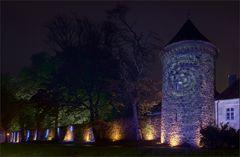 Die Stadtmauer leuchtet ...
