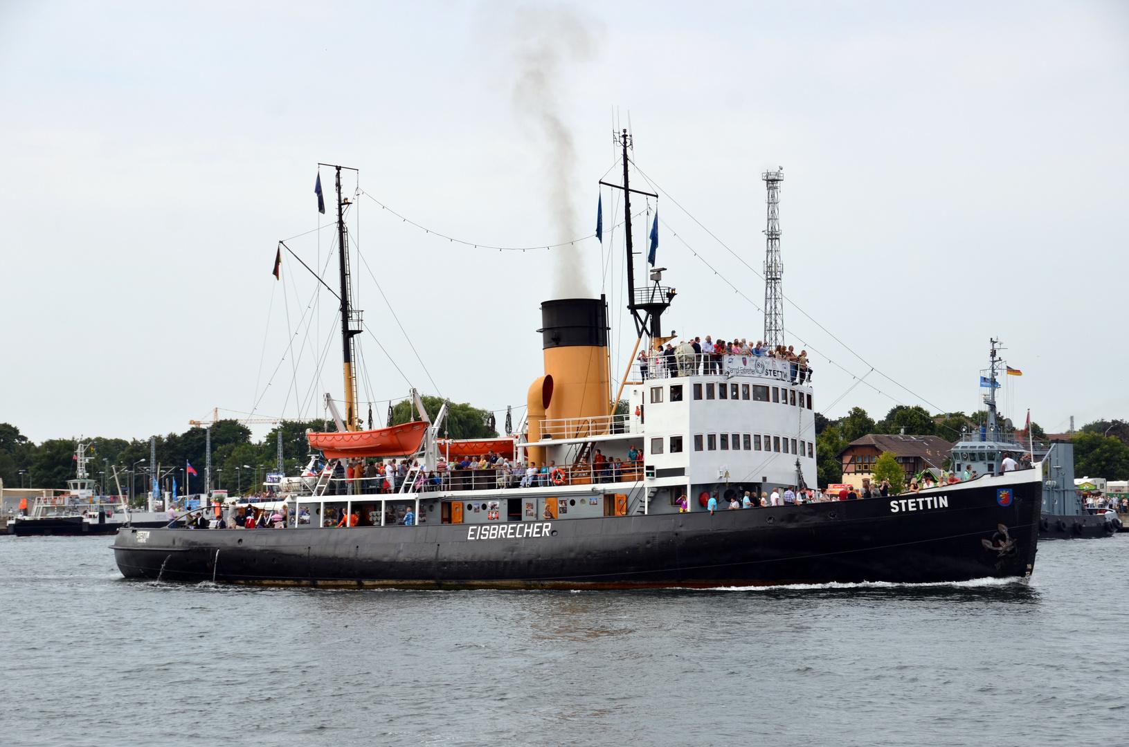 """Die """"Stettin"""" zur Hanse Sail 2013 in Rostock"""