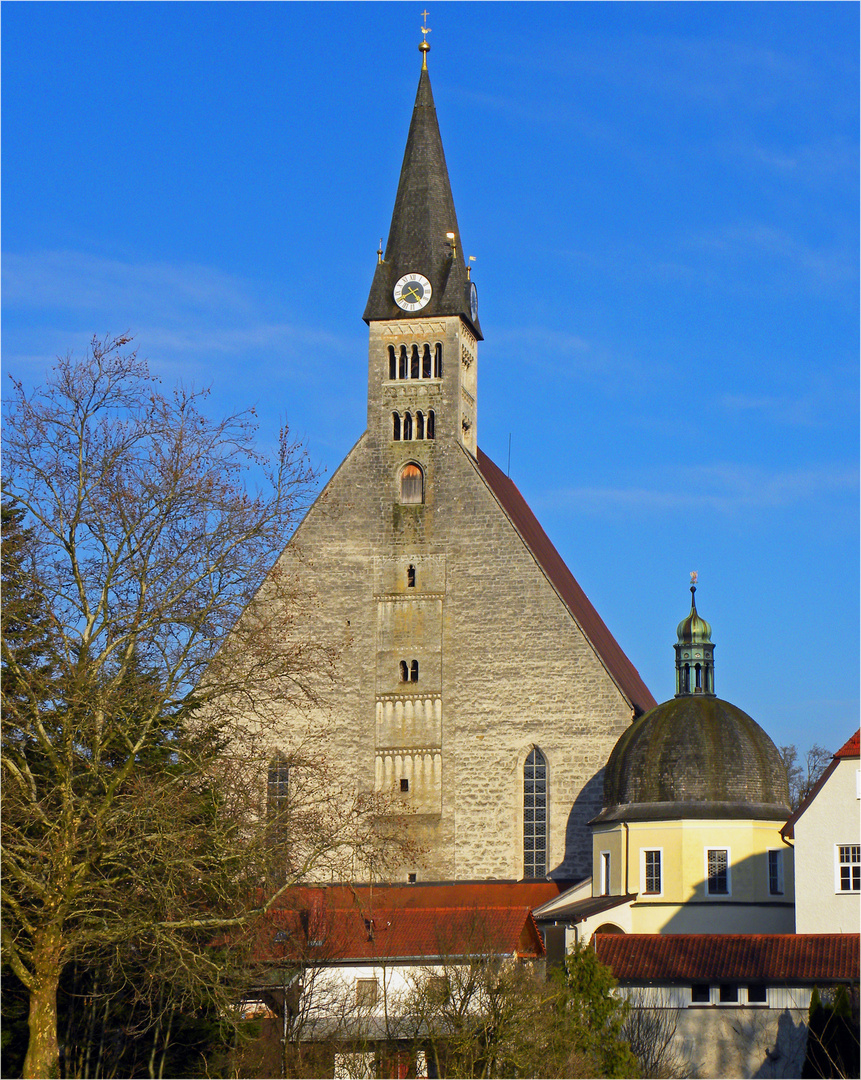 Die Stiftskirche von Laufen...