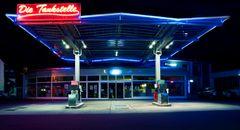 Die Tankstelle V2