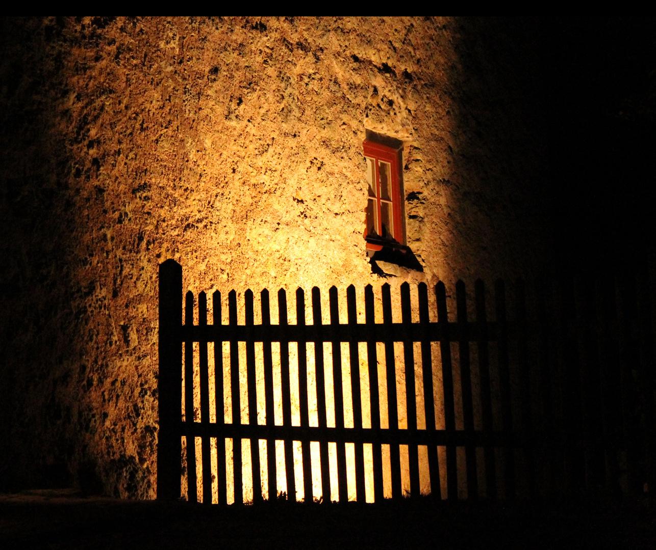 Die Tannenburg bei Nacht