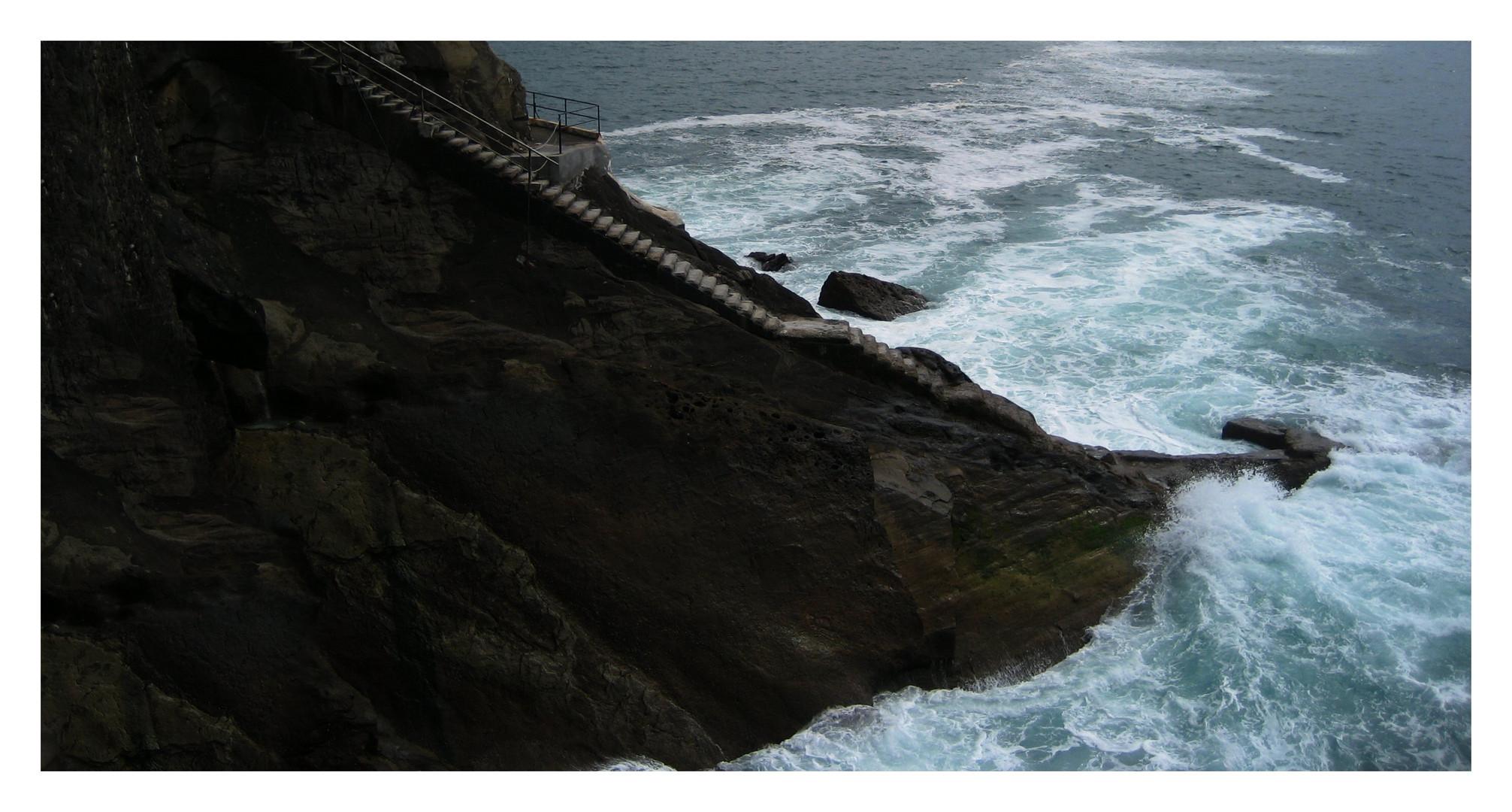 Die Treppe ins Meer