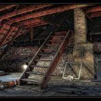 die Treppe .... zum Dachboden
