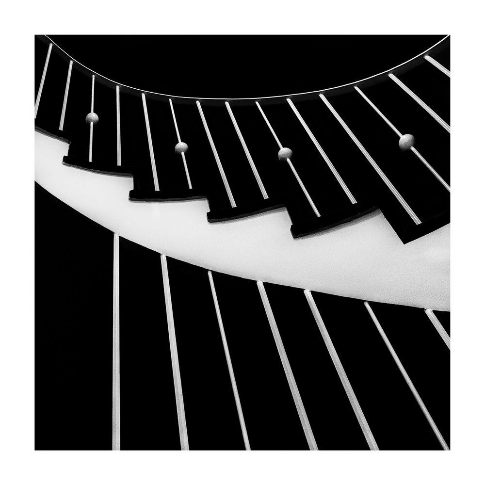 die treppenharfe foto bild architektur sw monochrome bilder auf fotocommunity. Black Bedroom Furniture Sets. Home Design Ideas