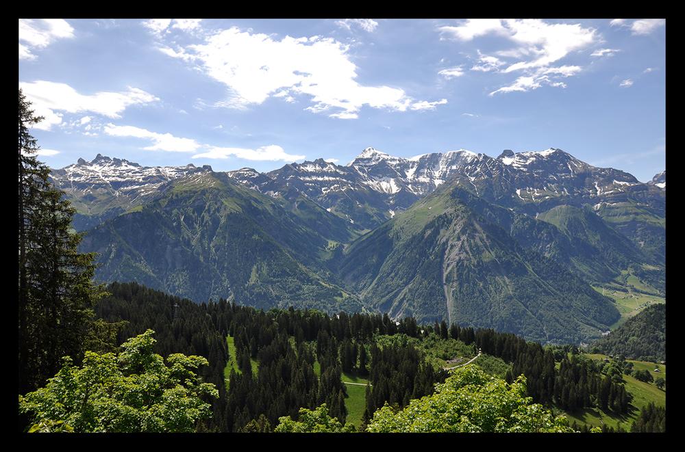 Die unendliche malerische Welt der Berge