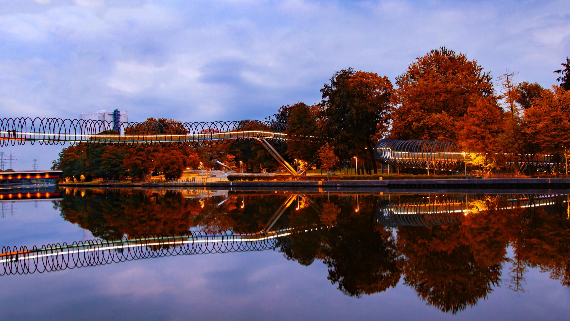 Die ungewühnliche Brücke