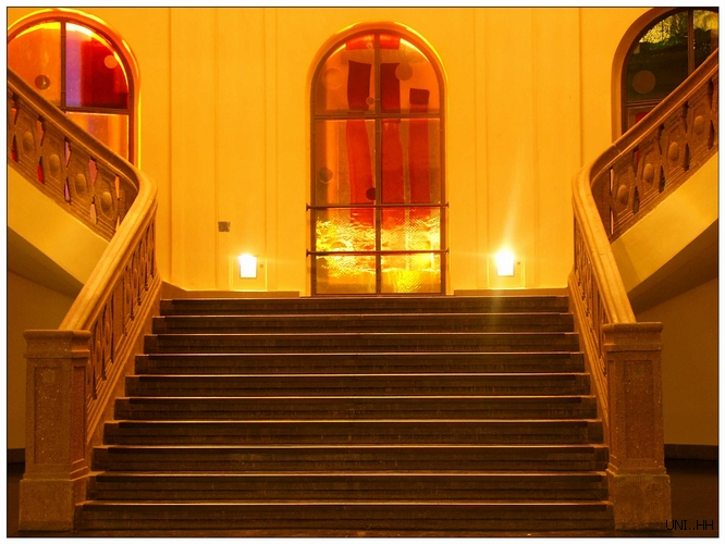 .....die unmittige Treppe..