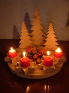 Die vierte Kerze brennt am Adventskranz