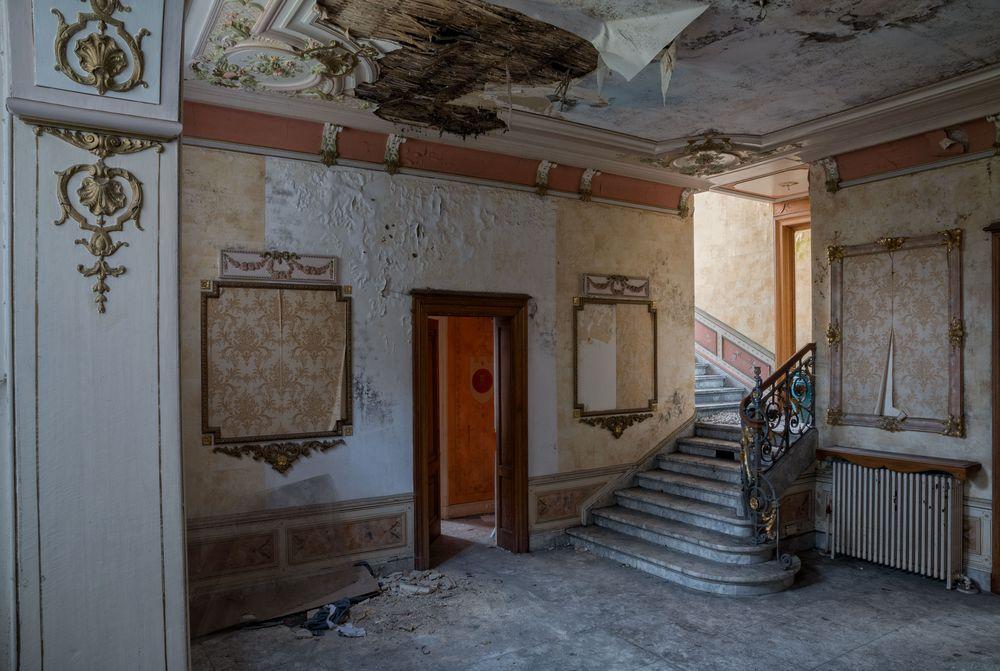die Villa mit dem Dachschaden...