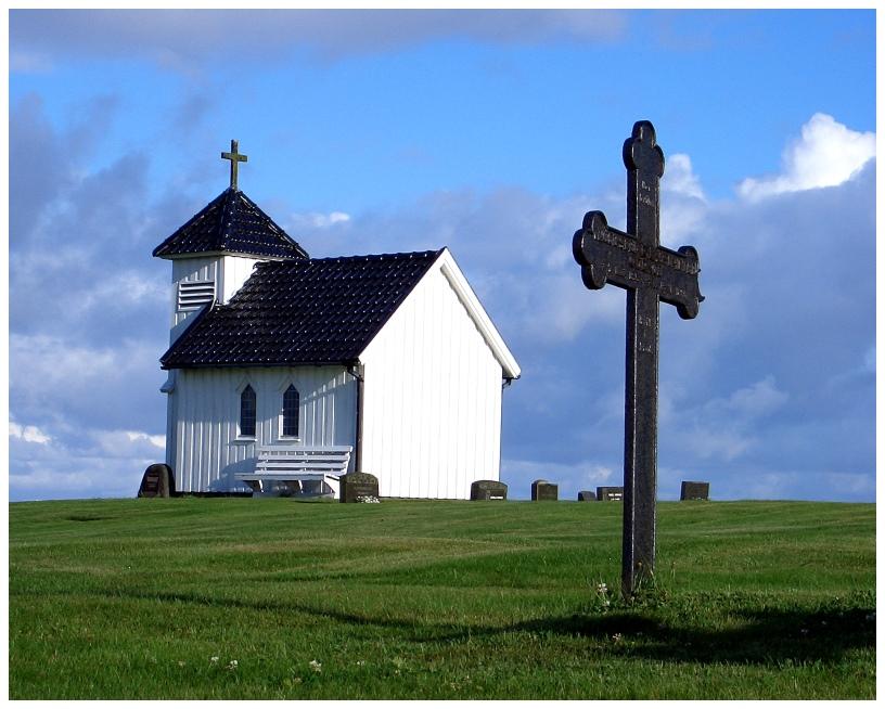 Die wahrscheinlich kleinste Kirche Norwegens ......
