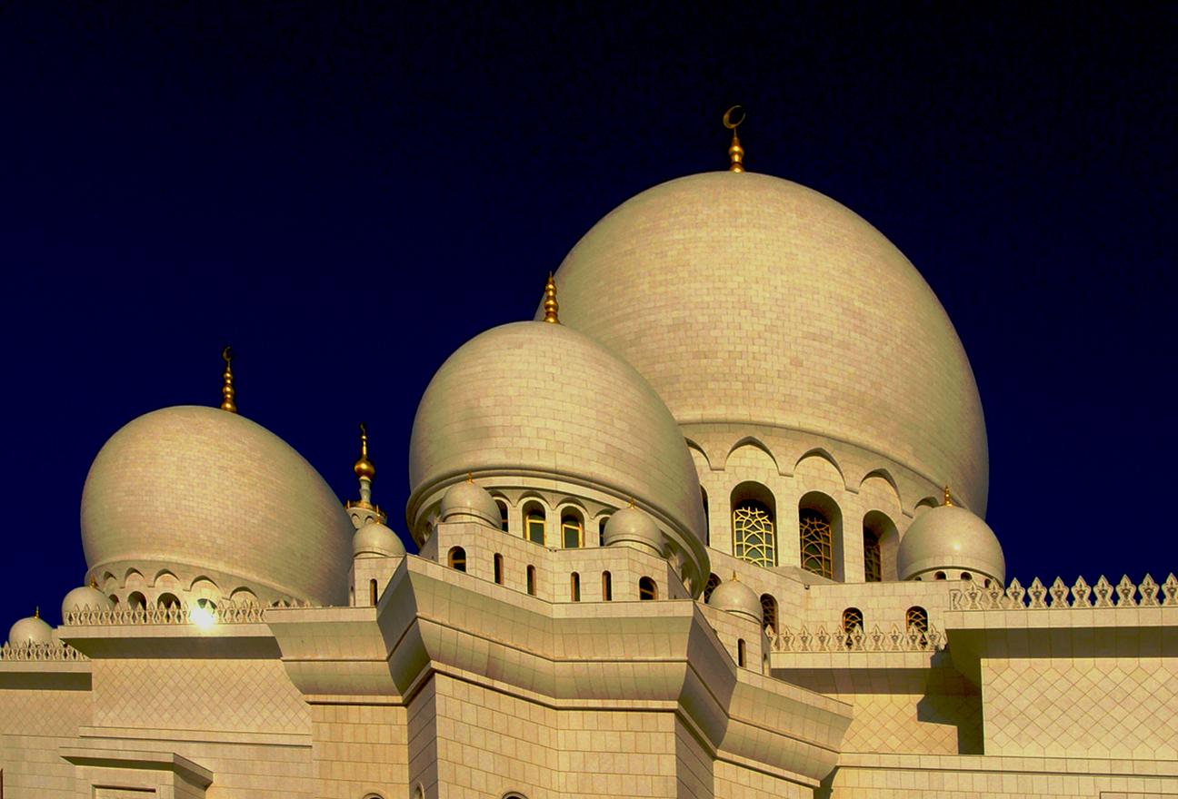 Die weisse Moschee bei Abu Dhabi