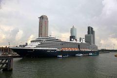 Die Westerdam, gewaltiges Kreuzfahrtschiff