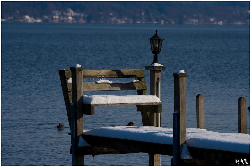 Die wohl einsamste Bank am See