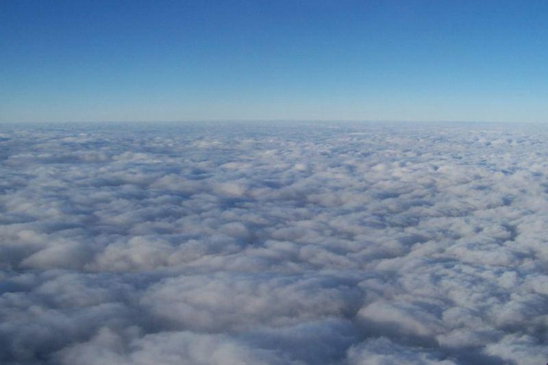 Die Wolken im Flugzeug