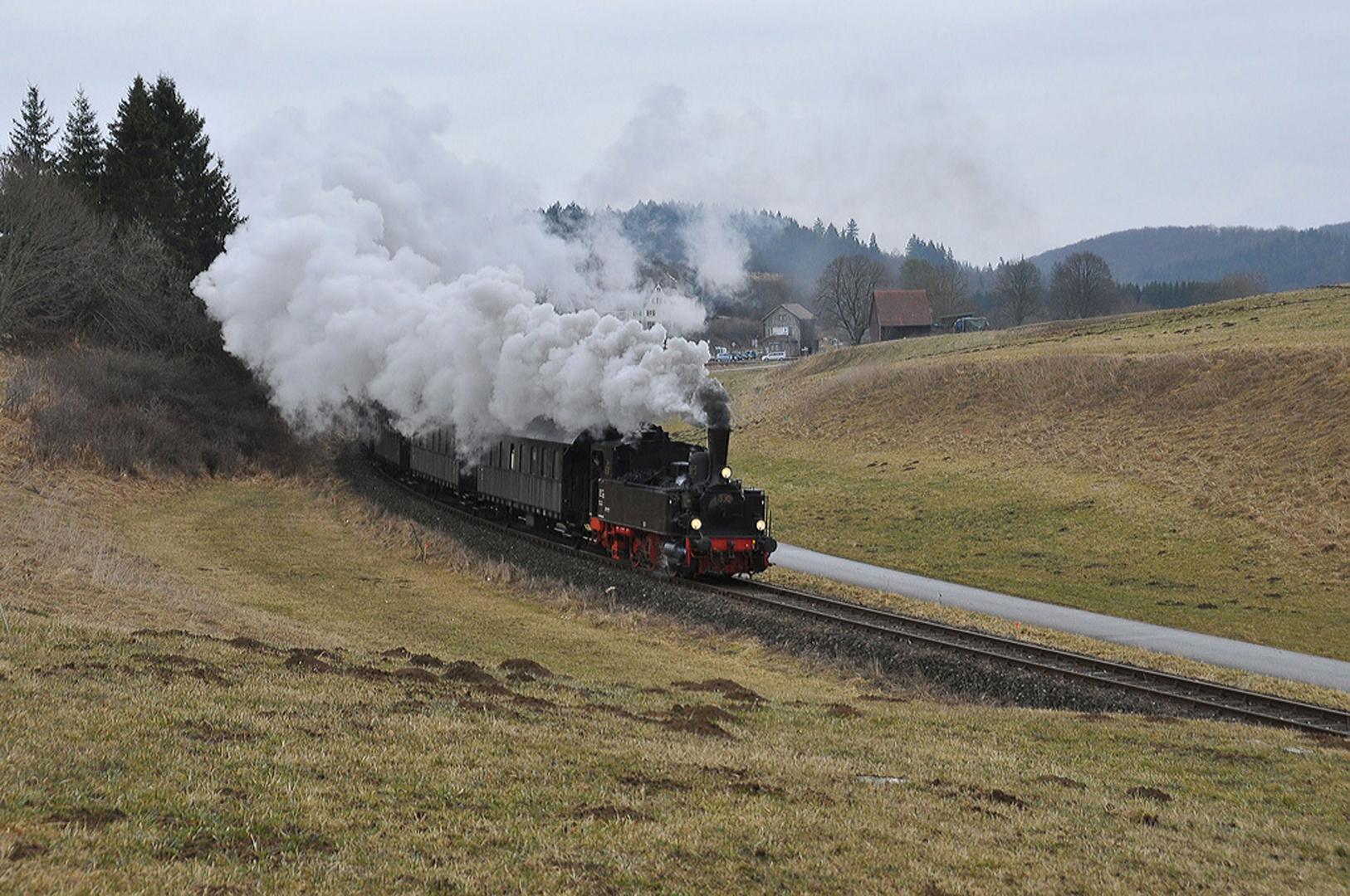 Die Württembergische T3 Dampft über Württembergische Gleise....