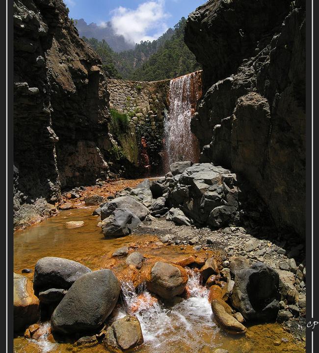 Die wunderschöne Cascada de los Colores ...