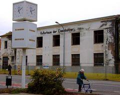 """***Die Zeit ist abgelaufen - Abrissbirne für's """"Kulturhaus der Eisenbahner"""""""