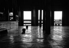die zwei krüge, besuch im katzenkloster, inle see, burma 2011