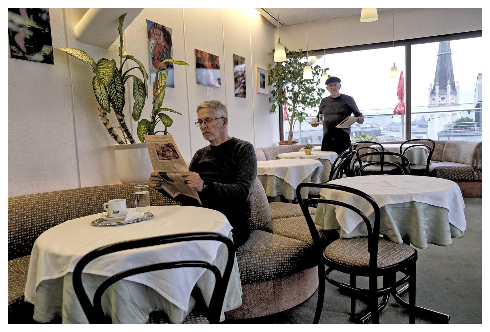 Dienstag - im Cafe !