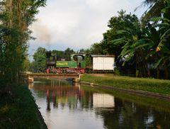 Dienstag ist Spiegeltag  -  Die letzte Anno 2014 betriebsfähige Mallet in Indonesien