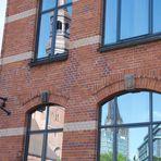 Dienstag ist Spiegeltag ---- Fenster in der Speicherstadt