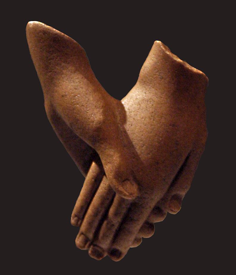 Diese Hände eines Statuenfragments im Ägyptischen Museum in Berlin...