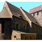 Diese wehrhafte Feldsteinkirche …