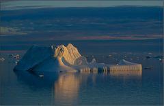 dieser eisberg lag auf dem meeresboden auf