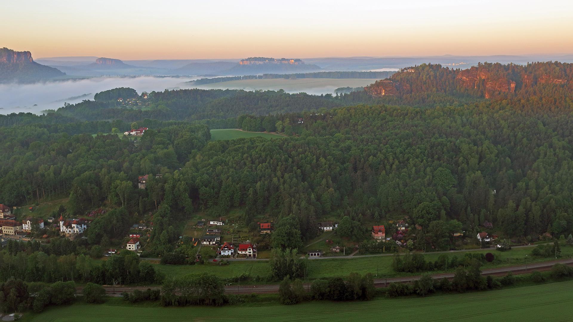 Dieser morgendliche Blick auf die Festung Königstein,