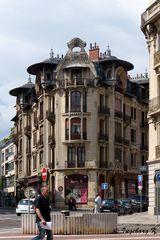 Dijon - ein Haus mit einem interessanten Dach für die Dachgeschossterrassen