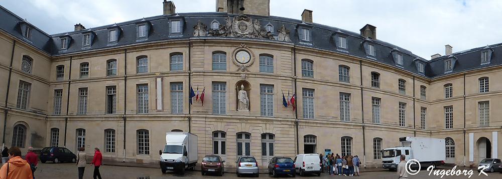 Dijon - Herzoglicher Palast - Panoramaaufnahme mit Kameraprogramm