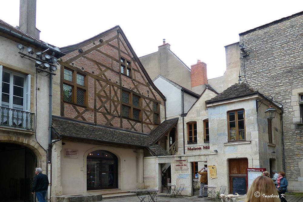 Dijon - in einer kleinen Gasse der Altstadt