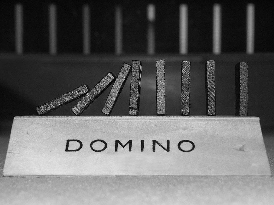 Dimi und ich spielen Domino...